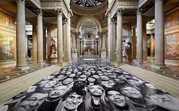46- Street art au Panthéon à Paris, France
