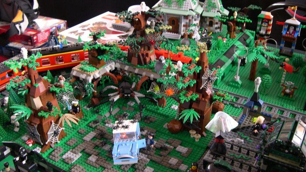La forêt interdite, lieu culte de la saga, reproduite en lego
